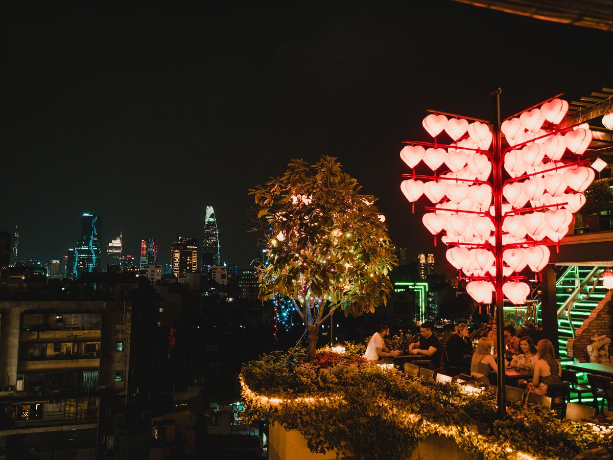 Teil der The View Rooftop Bar in Saigon