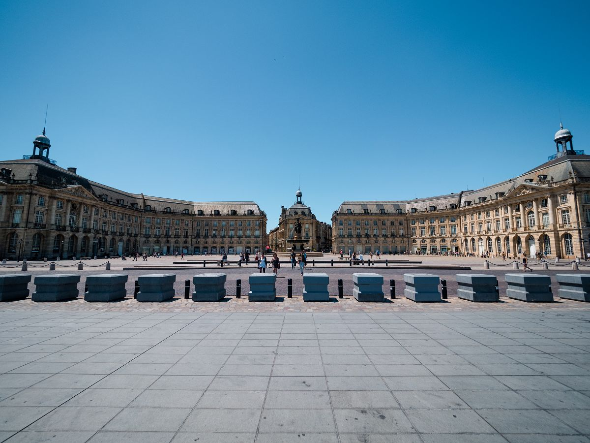 "Der berühmte Platz ""Place de la Bourse"" in Bordeaux"