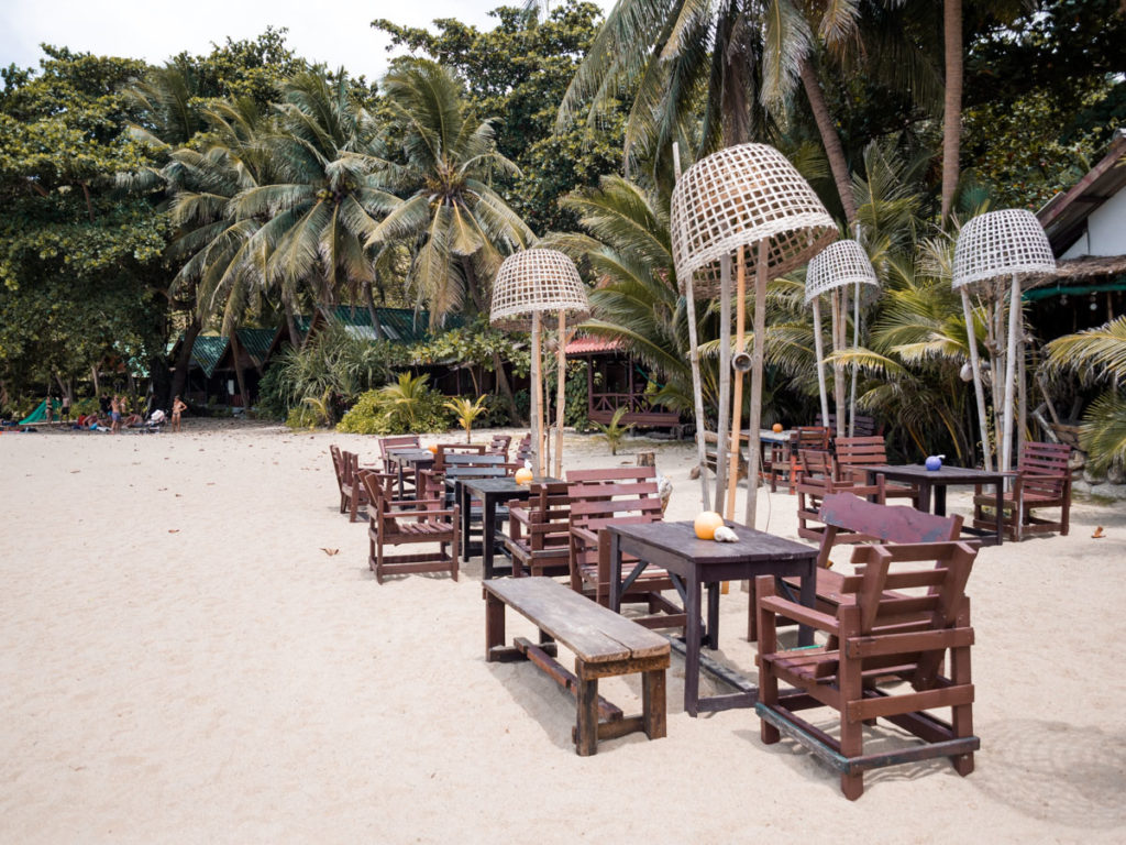 Restaurant am Than Sadet Beach