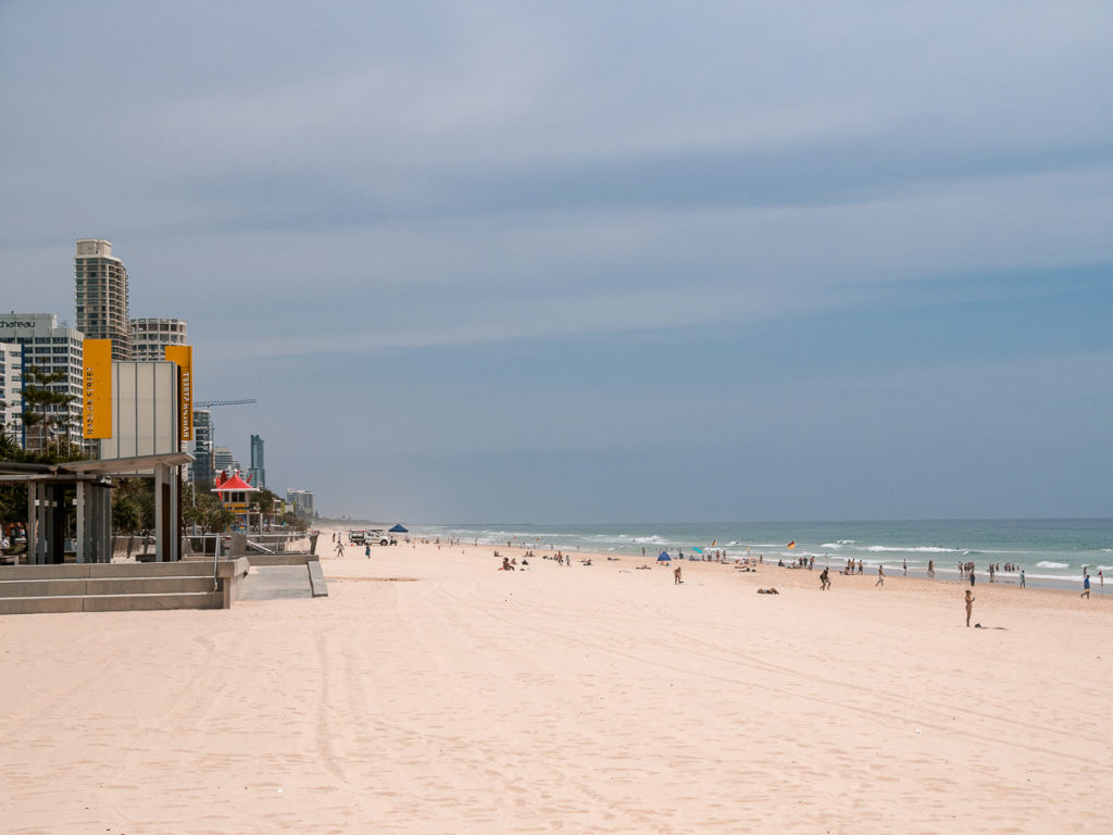 Surfers Paradise Strand an der Gold Coast
