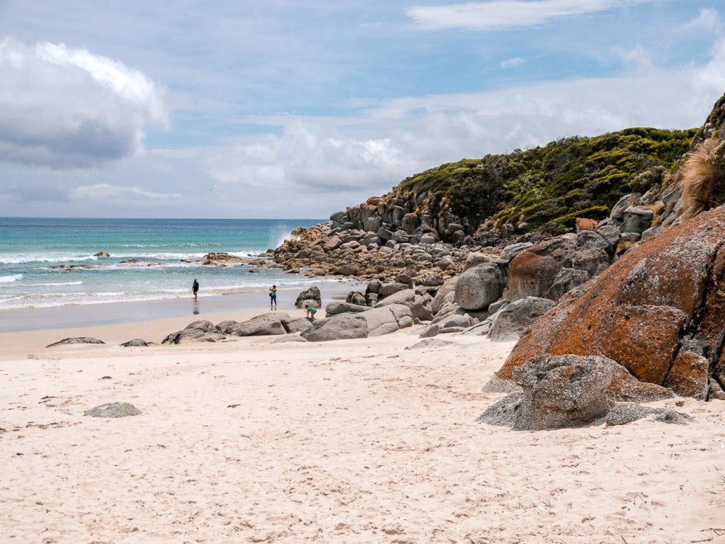 Felsen an der Whiskey Bay im Wilsons Promontory Nationalpark