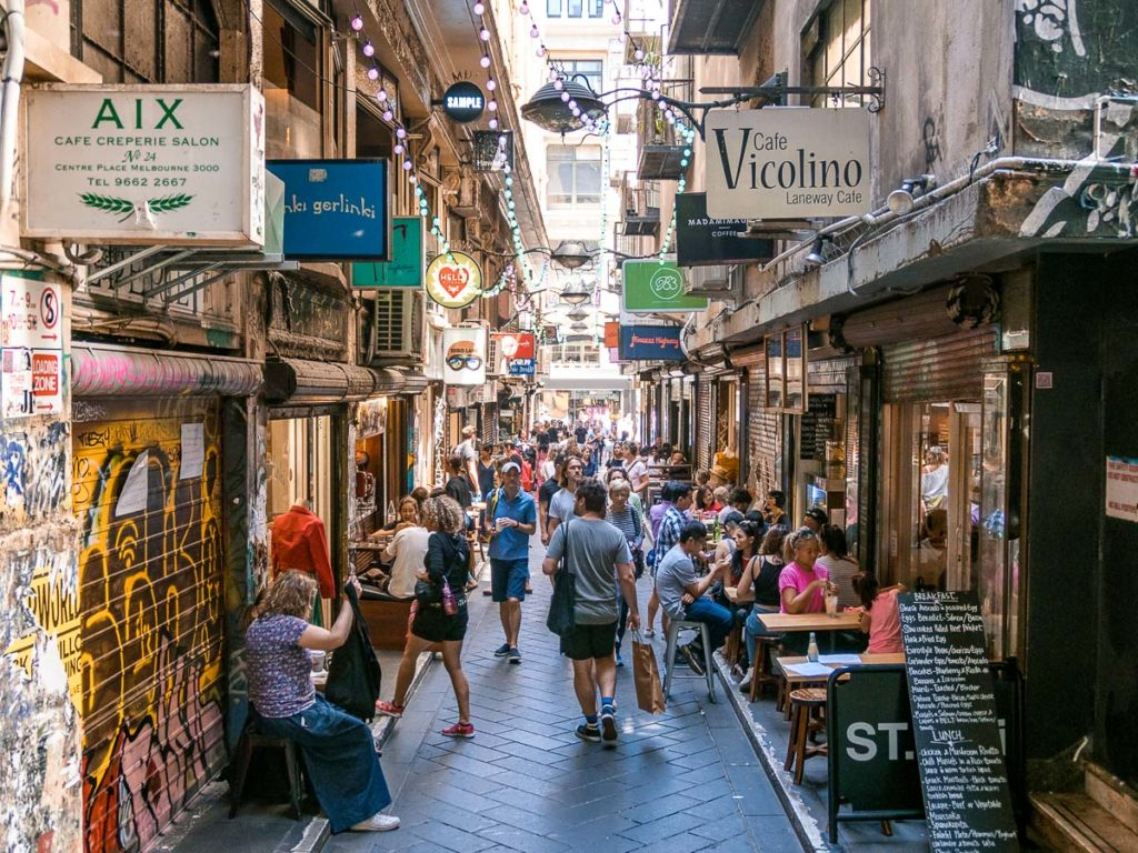 Die Degraves Street voller Restaurants in Melbourne